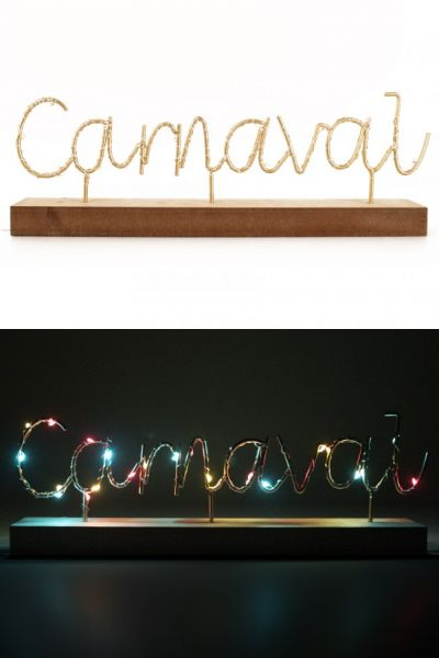 Plankje met tekst CARNAVAL verlicht