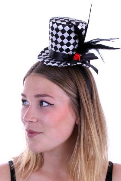 Mini hoedje zwart wit geblokt met roos en veren